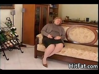 Fat and horny granny wanting a dick