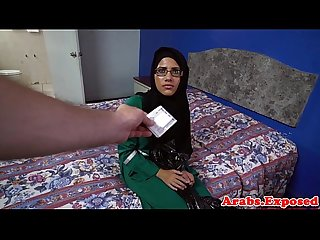 Muslim babe jizzed in mouth