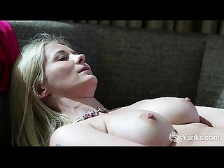 Blonde Honey Summer Toys Her Snatch