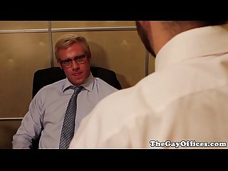Muscled hunks fuck when left alone in office