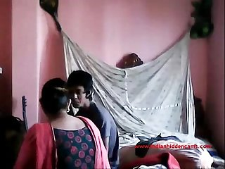 Hot chubby bhabi secret sex with her bf at his room