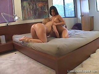 Luscious lopez and sara jay