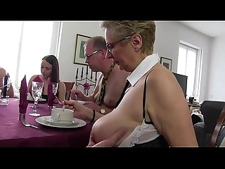 Free Version - My mother organizes sex parties, with friends and friends..