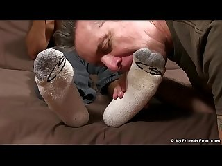 Hot athletic Madison feet worshiped and smelled by older man
