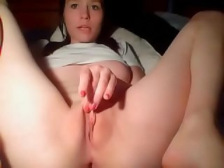 Beautiful cam girl fingering sweet tight pussy