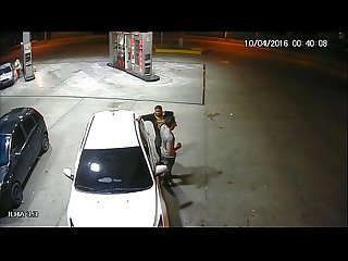 Policial de folga mamando bbado no posto de gasolina em manaus