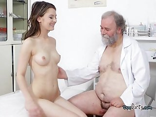Beautiful hoe gets banged and squirted with cum