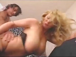 Busty Blonde in the carriage fucked digporns.com.mp4
