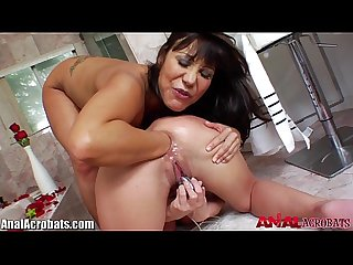 Analacrobats ava devine fisted by julie knight