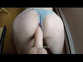 Tranny girl amateur with juicy ass in panties rides a big dildo for us all