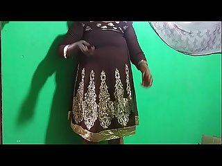 Desi Indian tamil telugu kannada malayalam hindi horny vanitha showing big boobs and shaved pussy pr