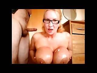 Slutty Milf loves a cum shot - TheCamBoss.net