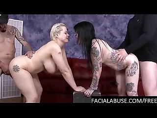 Gothic bi sluts ass to mouth 4some