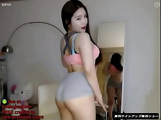 Korean busty camgirl with nice tits live at livekojas com