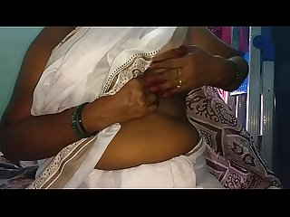 South Indian Desi Mallu sexy vanitha without blouse show big boobs and shaved pussy