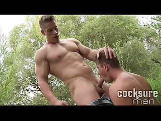 [www.GayTaric.com] Nice looking gay men fucking outdoor