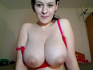 Super big natural tits milf free cam show