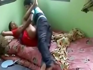 Padosan ki mast chudai ki see full video on site indiansxvideo.com