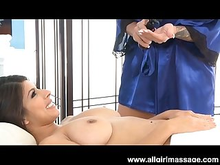 Lylith lavey rubs layla rose in a lesbian massage