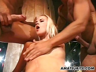 Amateur girlfriend double penetration and facials