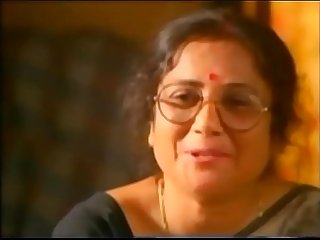 Desi boy kiss mature aunty