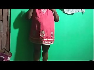 Hot Indian Mom playing desi house wife live broadcast her self
