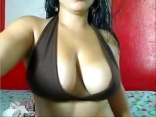 indian mature milf on webcam show masturbating