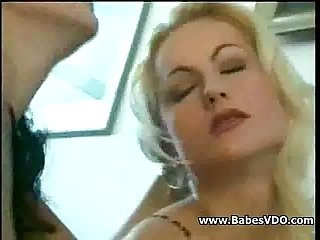 Sexy lesbians muff diving