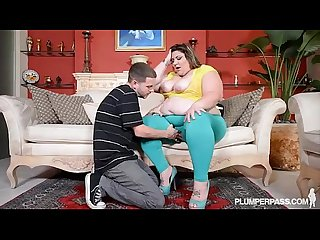 Chubby Wife Car Breaksdown and She Gets Ass Fucked