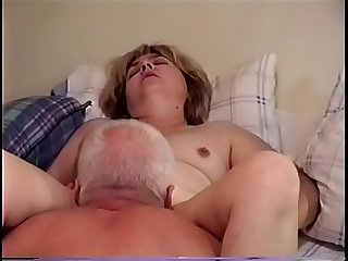 Amateur milf wife getting her pussy eaten to orgasm