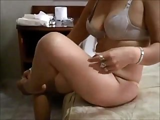 Mature wife enjoys nasty creampie