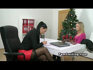 Blonde fingers agent in xmas casting