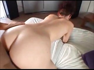 Amateur redhead creampied