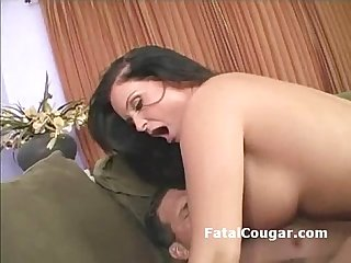 Thick busty cougar gives tight blowjob then bounces on hard dick