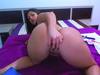 Chubby llatina princess on webcam