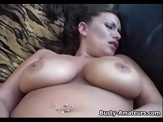 Busty amatuer leslie masturbates her shaved pussy