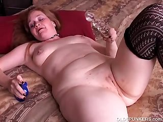 Kinky old spunker sucks cock and has a nice wank