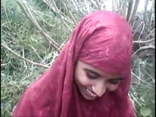 Desi bangla musulmani hijab bellezza in foresta