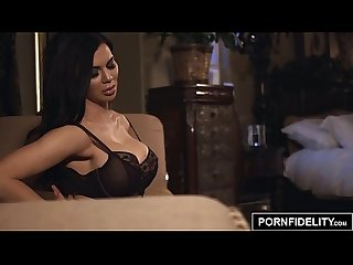 Pornfidelity bimbo slut jasmine jae ass fucked hard and creampied