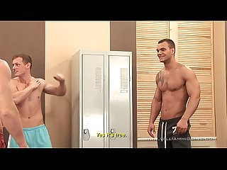 5 muscle guys fuck fest in gym part 1