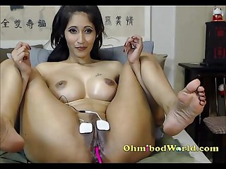 Indian camgirl S pussy gets electrocuted by her ohmishock