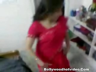 Desi Bhabhi getting fucked after dancing with boyfriend