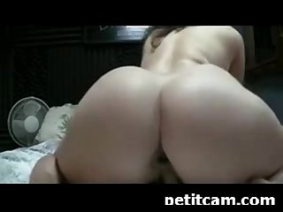 Pawg Camgirl toying her pussy and ass