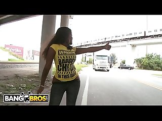 BANGBROS - Black Babe Diamond Mason Walks Around Streets Of Miami Showing Off Her Big Ass