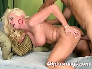 Milf getting nailed by a young hung