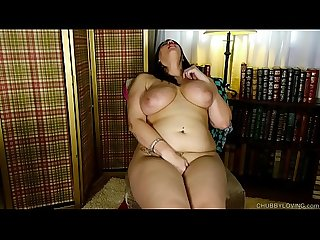Super cute chubby honey plays with her favorite new toy