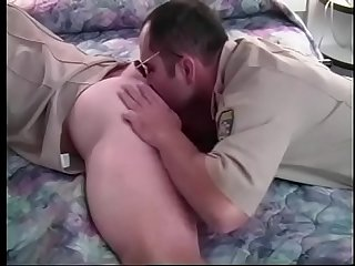 Mature cop studmuffin blown and cornholed with his sunglasses on in living room