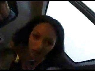 Jeune beurette baise dans un train
