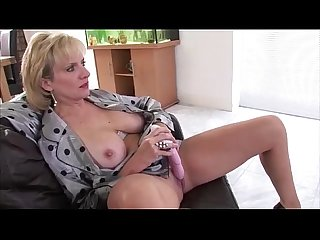 Solo mature brit babe lady sonia