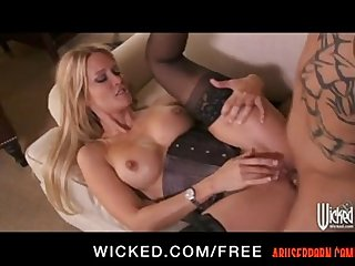 Jessica Drake is Blindfolded for some Rough Anal: Porn pain - abuserporn.com